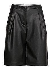 Marie Waist Shorts - BLACK