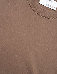 DESIGNERS, REMIX - Mandy Muscle Tee - strikkede toppe - taupe - 5