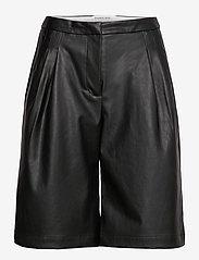 DESIGNERS, REMIX - Marie Waist Shorts - læder shorts - black - 0