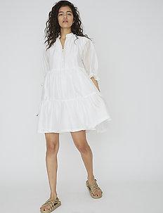 Voluminous tiered dress - kort kjoler - white