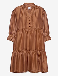 Voluminous tiered dress - korte kjoler - cinnamon