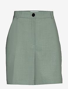 Mid-thigh suit shorts - bermudashorts - light dusty green