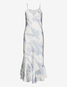 Long bias-cut strap dress with ruffled hem - maxi kjoler - print
