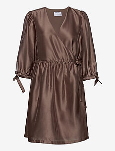 Enola Wrap Dress - slå-om-kjoler - taupe