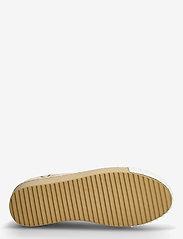 Desigual Shoes - SHOES STREET CAMOFLOWERS - låga sneakers - fog - 4