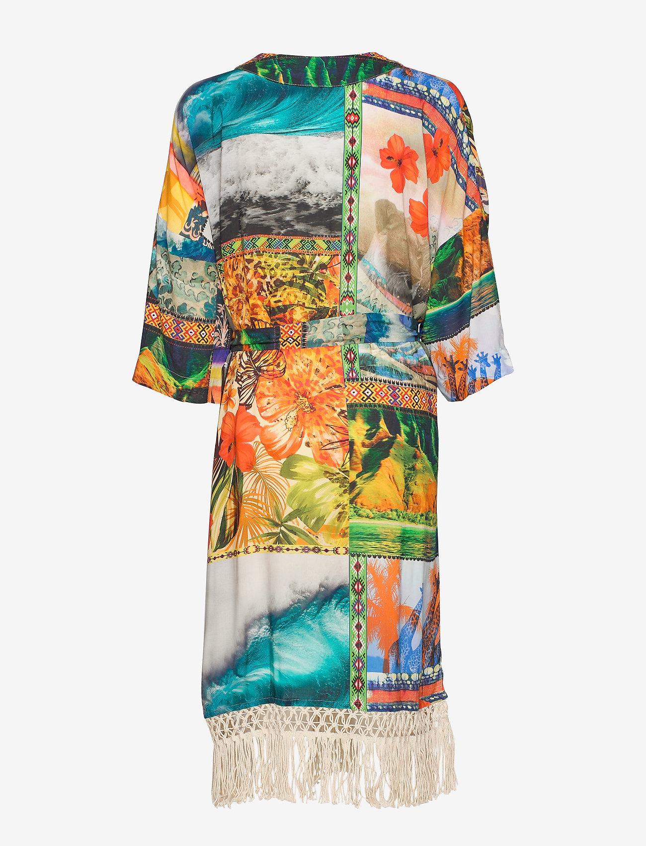 Kimono Hawai (Tutti Fruti) (1099 kr) - Desigual