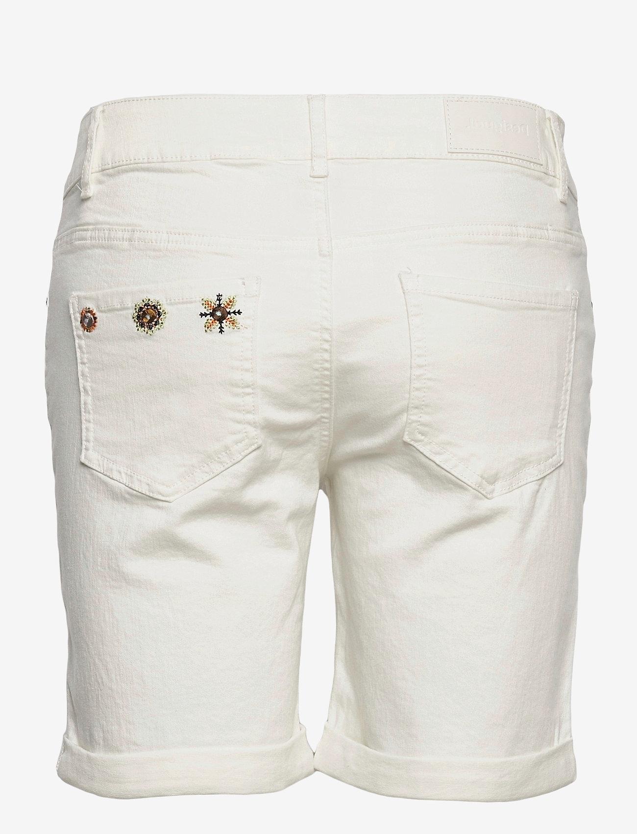 Desigual - DENIM GRECIA - jeansshorts - blanco nieve - 1