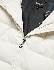 Desigual - PADDED MANDALA - wyściełane płaszcze - crudo - 5