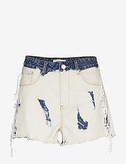 Desigual - DENIM KALGARY - short en jeans - denim bleach - 0