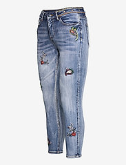 Desigual - DENIM MONACO - boyfriend jeans - denim medium wash - 2