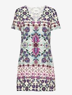 VEST YUKON - korte jurken - rosa west
