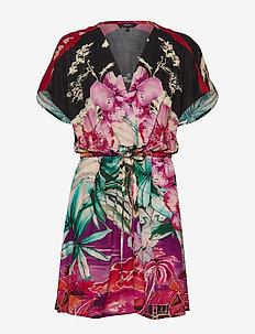 VEST KALAWAO - korte jurken - rosa marlen