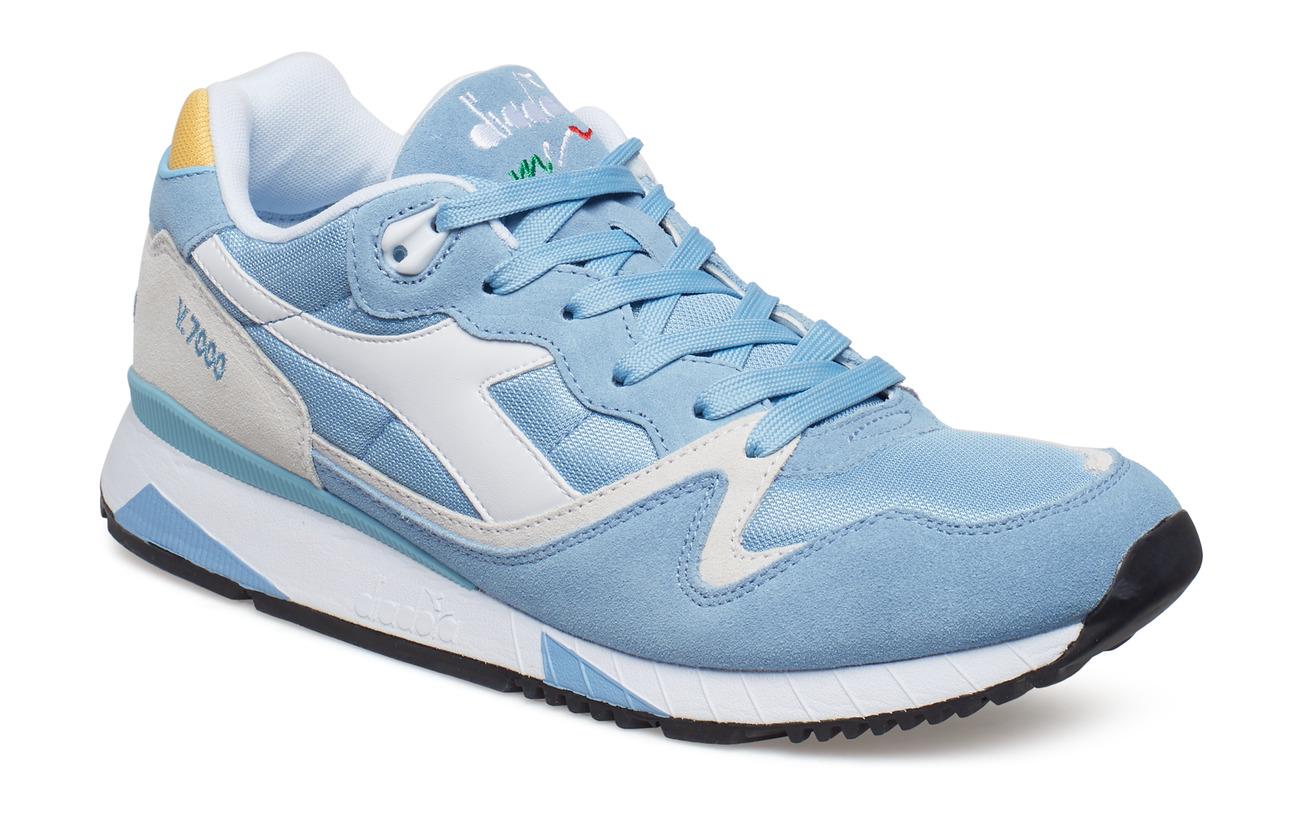 diadora shoes v7000
