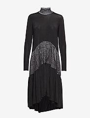 Diana Orving - Long ruffle dress - midi dresses - print - 0