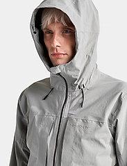 Didriksons - OVE USX JKT - rainwear - stone grey - 8