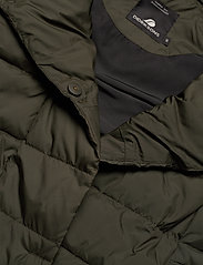 Didriksons - MY WNS VEST - puffer vests - forest green - 6