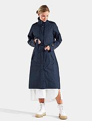 Didriksons - LOVA WNS COAT 3 - trenchcoats - dark night blue - 5