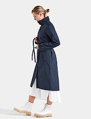 Didriksons - LOVA WNS COAT 3 - trenchcoats - dark night blue - 6