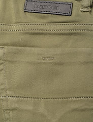 Diesel - THOMMER-J JJJ TROUSERS - jeans - verde salvia - 4