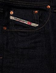 Diesel Men - LARKEE - regular jeans - denim - 2