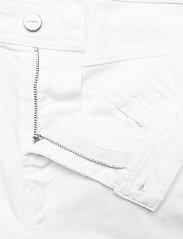 Diesel Men - THOSHORT SHORTS - denim shorts - bright white - 3