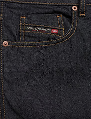 Diesel Men - D-STRUKT - slim jeans - denim - 2