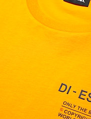 Diesel Men - T-DIEGOS-N21 T-SHIRT - basic t-shirts - yellow - 2