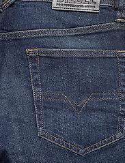 Diesel Men - LARKEE-X L.32 TROUSERS - regular jeans - denim - 4