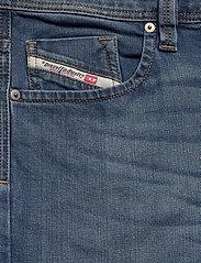 Diesel Men - LARKEE-X L.34 TROUSERS - relaxed jeans - denim - 2