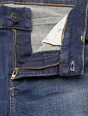 Diesel Women - D-SANDY L.30 TROUSERS - slim jeans - blue denim - 3