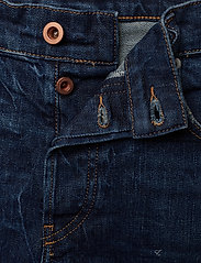 Diesel Women - DE-LOWY SHORTS - denim shorts - denim - 3