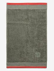 Dirty Linen - Terry R Eco Bath towel - handdoeken en badhanddoeken - olive grenadine - 0