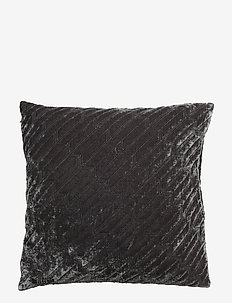 Arrow Decorative Cushion - RAVEN