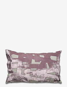 Crafted Tang Cushion cover - kussenovertrekken - blackberry pink