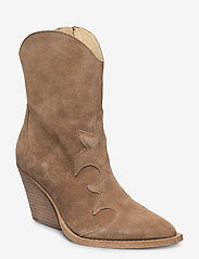 RE:DESIGNED EST 2003 - Remsy Suede - ankle boots with heel - taupe - 0