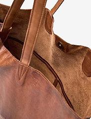 RE:DESIGNED EST 2003 - Marlo Urban - shoppingväskor - walnut - 4