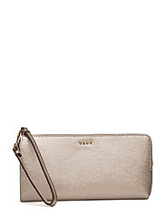 DKNY Bags - Bryant Med Wrist Pch