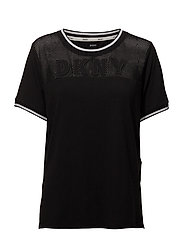DKNY SPELL IT OUT TEE SH/SLEEVE - BLACK