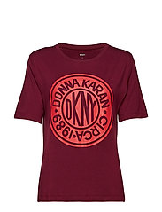 DKNY ONLY IN DKNY T-SHIRT - CRANBERRY TOKEN