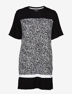 DKNY SHADOW PLAY SLEEPSHIRT S. SL. - koszulki do spania - black snake