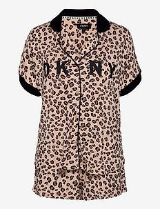 DKNY CITY COOL TOP & BOXER PJ SET - pyjamas - tan animal