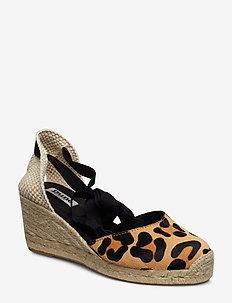 KASEY - LEOPARD-PRINT_LEATHER
