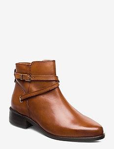 PEPER - flate ankelstøvletter - tan-leather