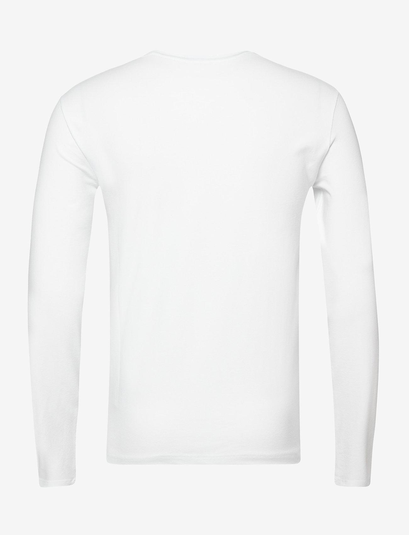 EA7 T-SHIRT - T-skjorter WHITE - Menn Klær