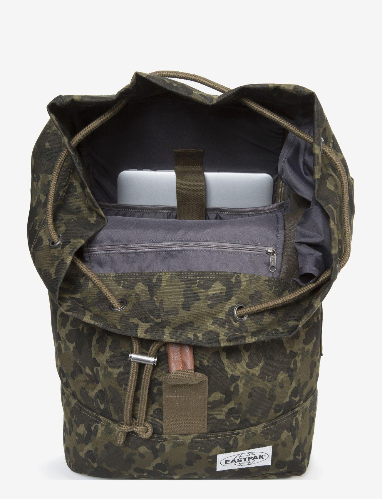 Eastpak - PLISTER - backpacks - opgrade camo - 1