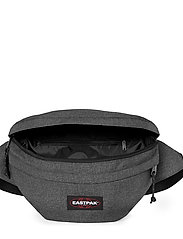 Eastpak - SPRINGER XXL - magväskor - black denim - 4