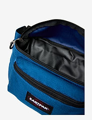 Eastpak - Doggy Bag - magväskor - urban blue - 3