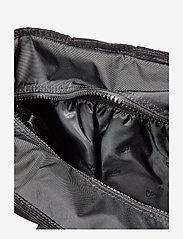 Eastpak - Delegate - shoulder bags - cordsduroy black - 3