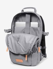 Eastpak - FLOID - ryggsäckar - sunday grey - 1