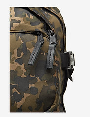 Eastpak - HUTSON - backpacks - camo op - 4